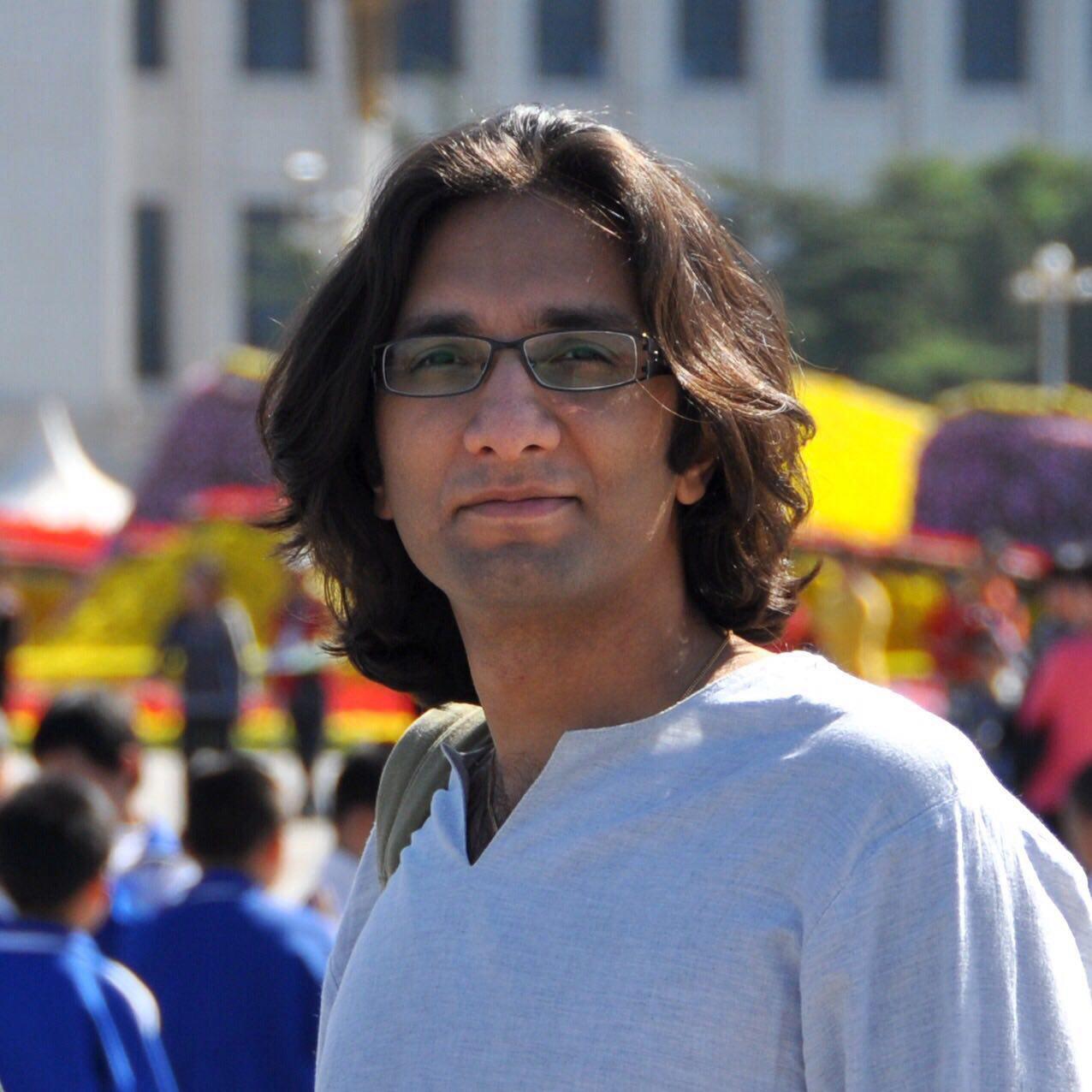 Roozbeh Fakhr